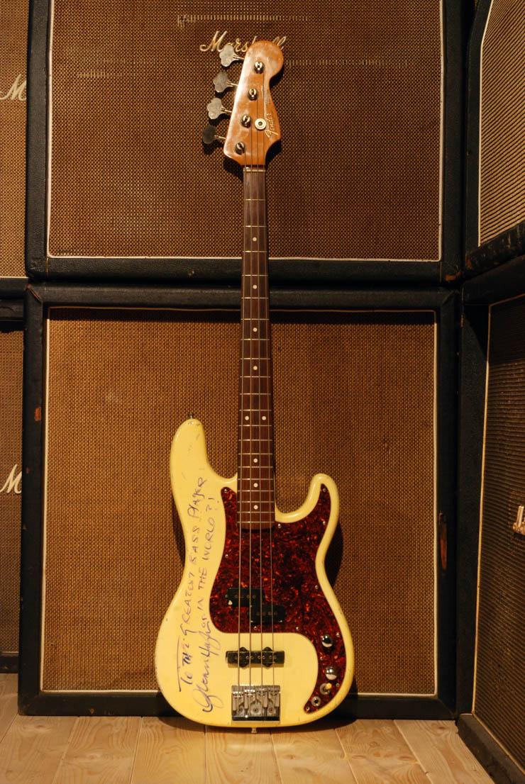 GLENN-HUGHES_Fender_Bass.